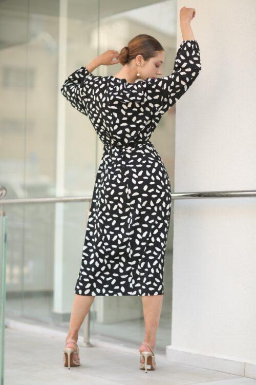 שמלת קשירה שחור אבסטרקט