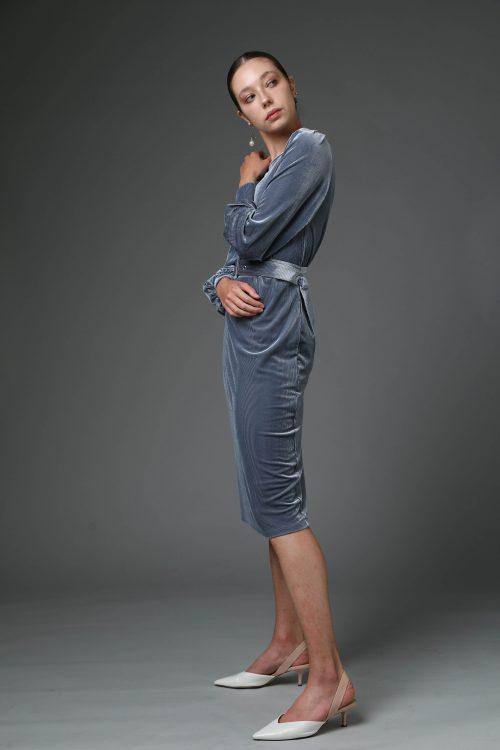 שמלת קטיפה גריי עם חגורת אבזם