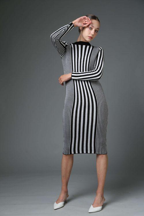 שמלת סריג פסים שחור לבן